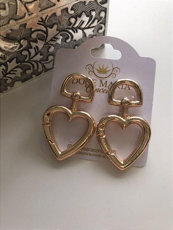 Brinco Mosquetão Coração Dourado
