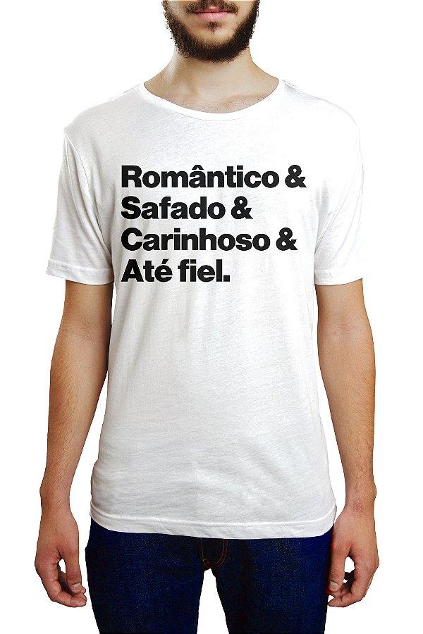 ROMÂNTICO, SAFADO E CARINHOSO.