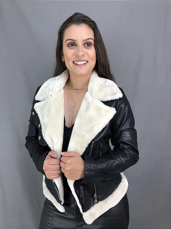 JAQUETA PRETA COM PELINHOS