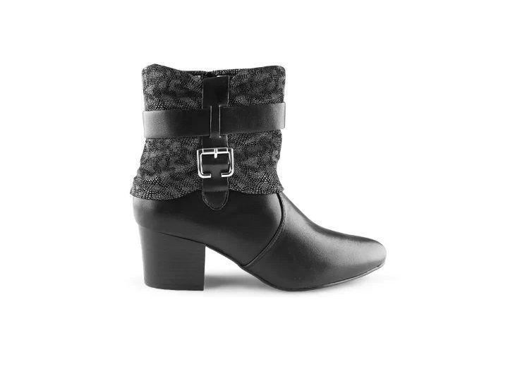 db909a6447 Bota Preta Salto Quadrado - SÓ MAIS UM SHOES - Sapatos e Bolsas ...