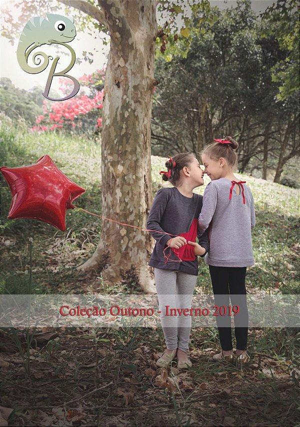 Blusa em Moletinho Mescla Chumbo com bolso vermelho em forma de coração