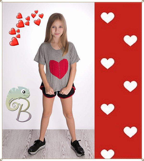 Conjunto feminino Blusa Ciganinha em Malha mescla com aplique coração vermelho + Short com acabamento em vermelho