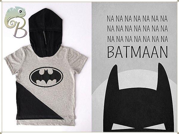 Camiseta Infantil Manga curta com Touca e Logo do Batman