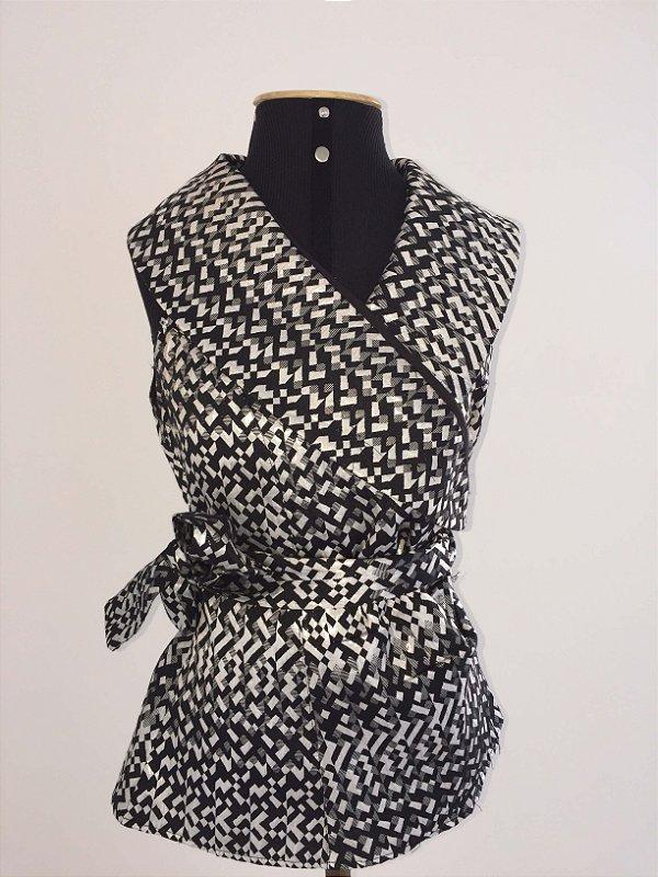 Blusa com faixa prata e preta (G)
