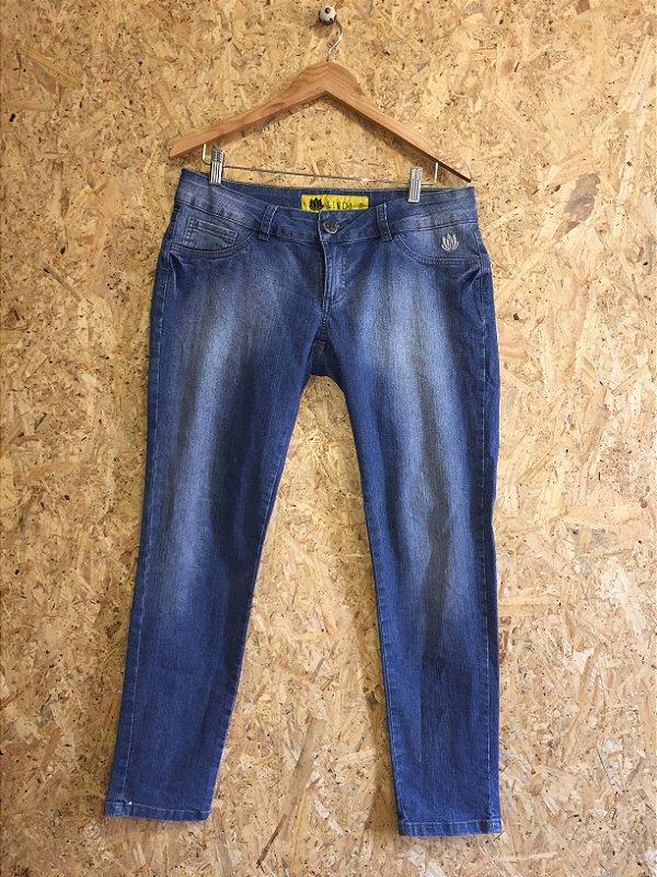 Calça jeans (44)