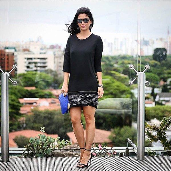Vestido preto com detalhes pedrarias na barra (40)