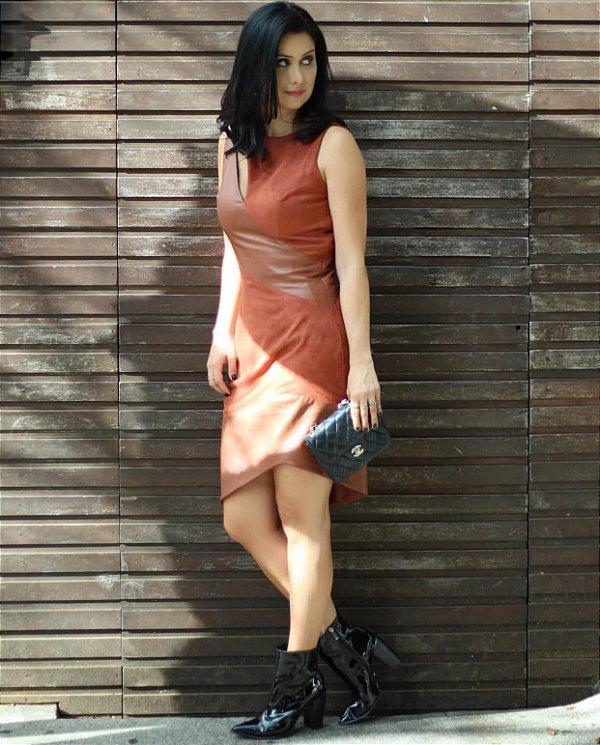 Vestido camurça detalhe couro (40) - Regina Salomão