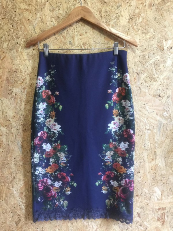 Saia azul estampa flores (M) - Zara