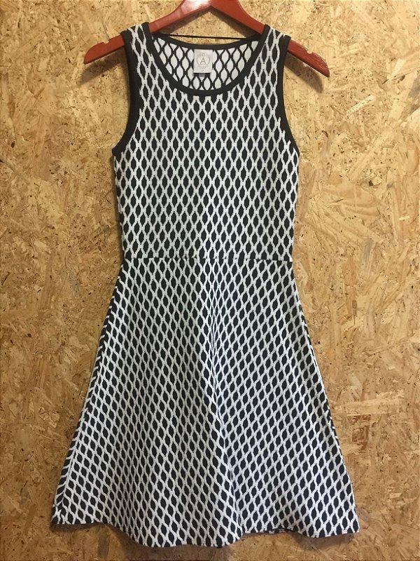 Vestido linha P&B (P) - A Collection