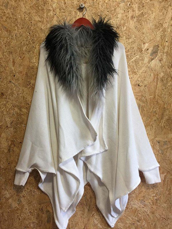 Casaco off white com gola de pêlos (M) - Isabela Lopes