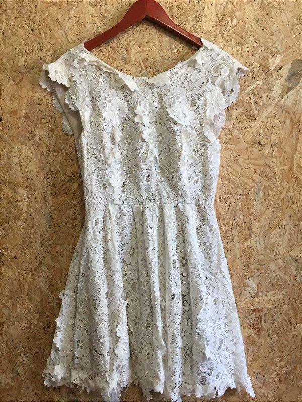 Vestido off white bordado  (42) - Asos