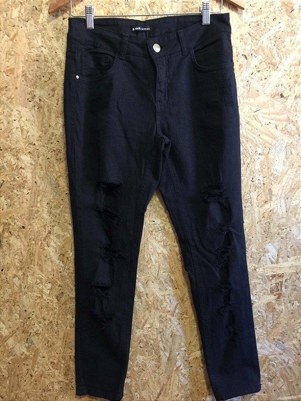 Calça jeans preta destroyed (38)