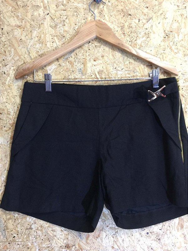 Short preto linho (G)