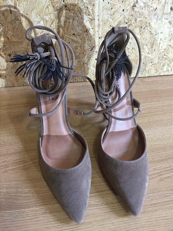 Sapato bege amarrar (37) - La Fosca