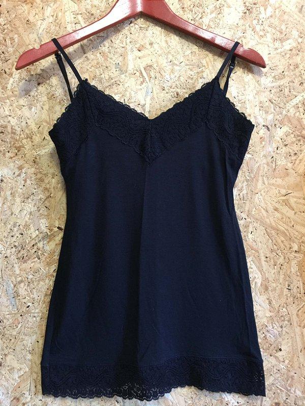 Camiseta renda preta (M) - Eclectic