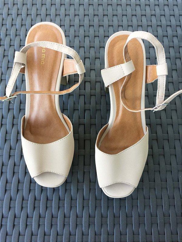 Sandália meia pata areia (37) - Via Mia NOVA