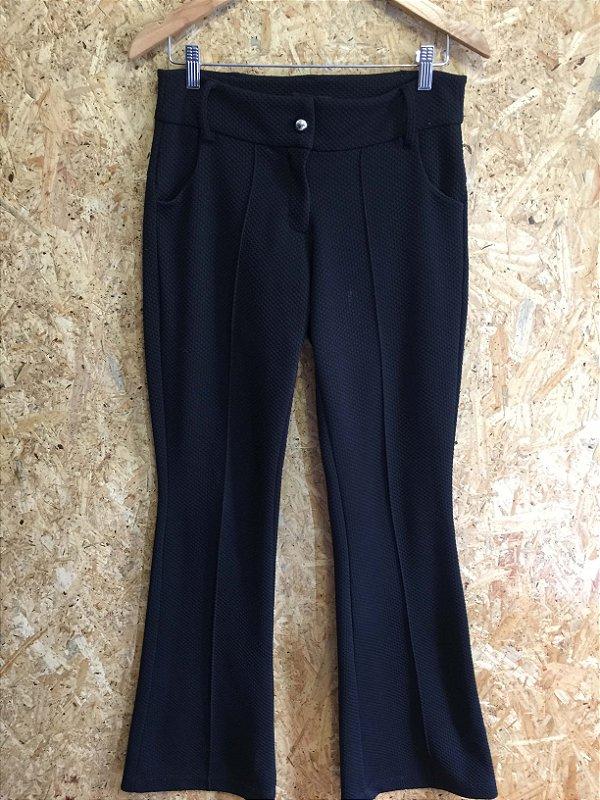 Calça textura preta (P) - Raro Efeito