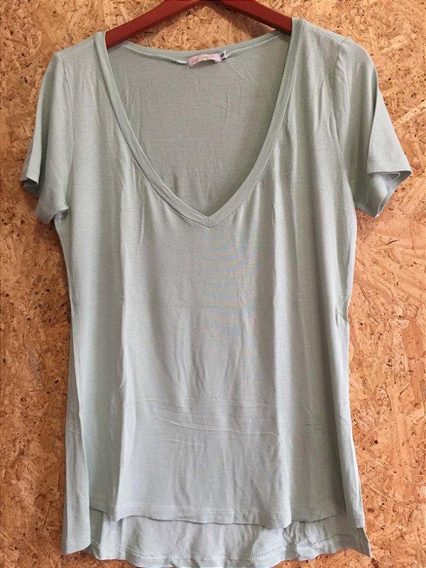 Blusa verde candy color gola V (G) - Lidi Lobato