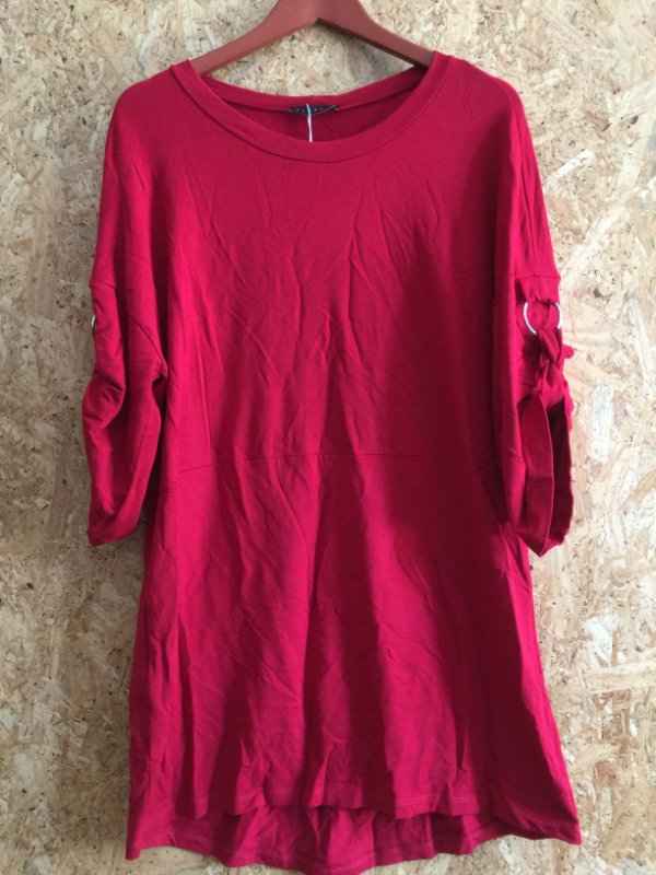 Blusão vermelho (P)  - Plural NOVA