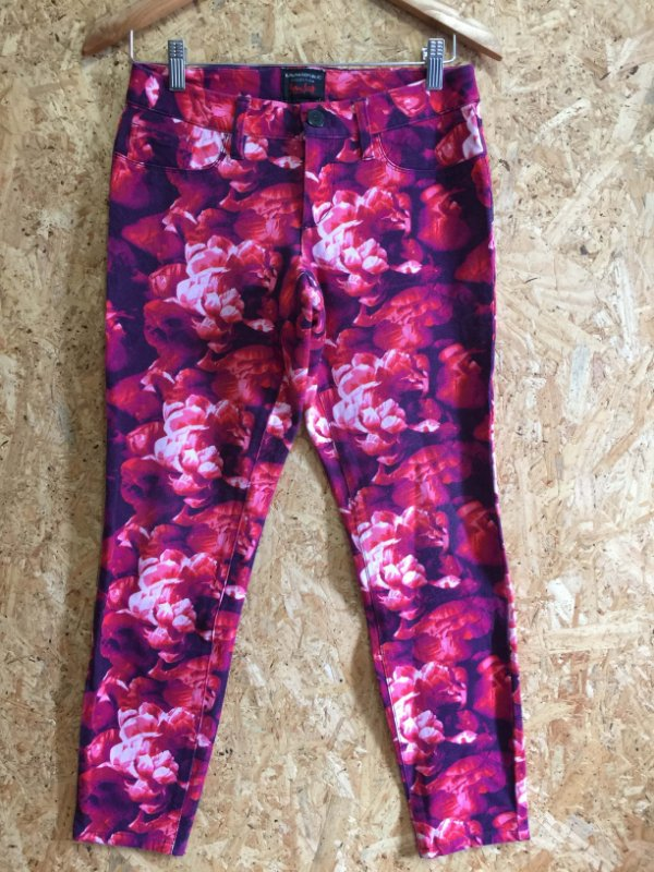 Calça estampas rosas (40) - Banana Republic