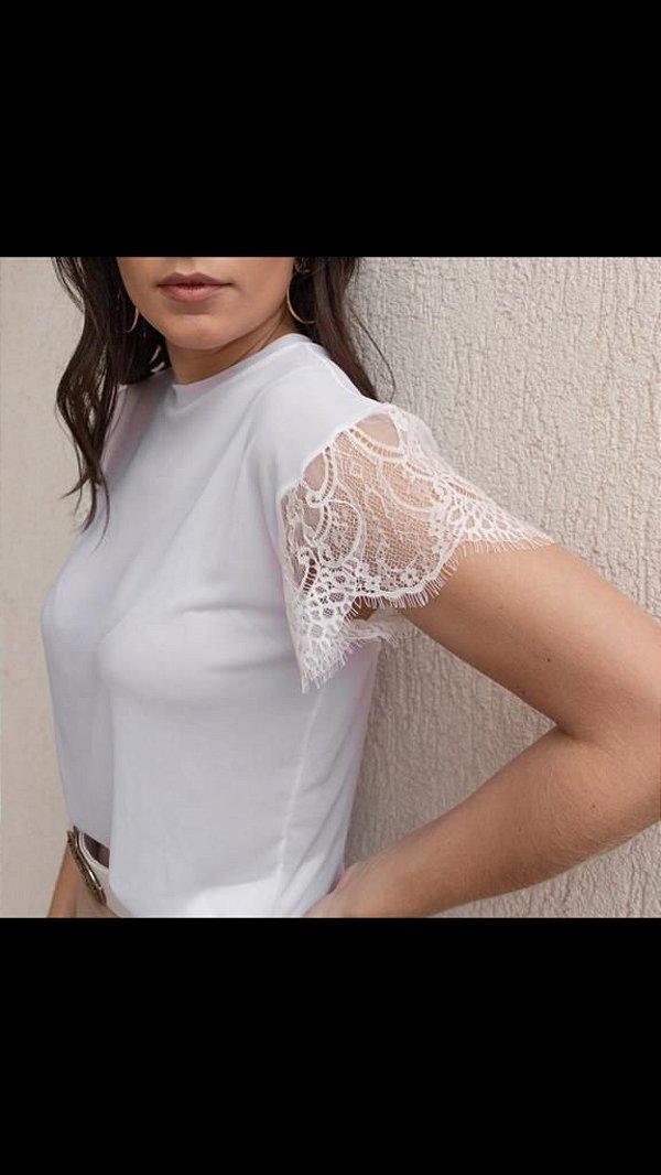 Camiseta Tule Manga Renda Chantilly (M) - Lamac NOVA