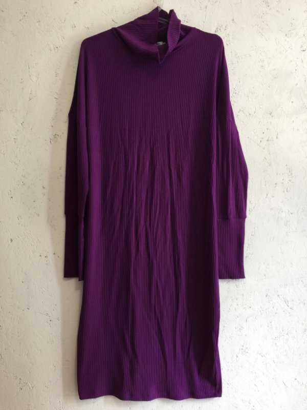 Vestido lilás gola alta (M) - Basique NOVO