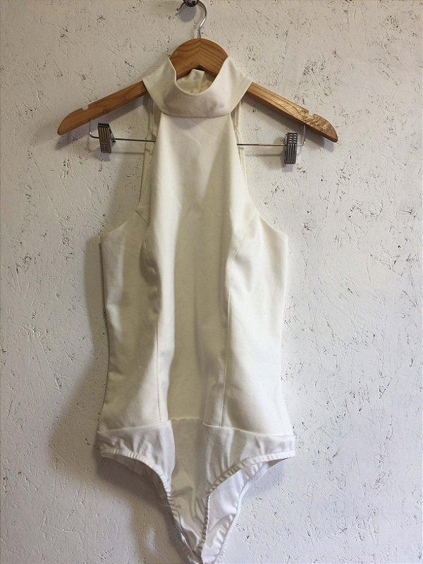 Body off white de gola (M)  - She likes
