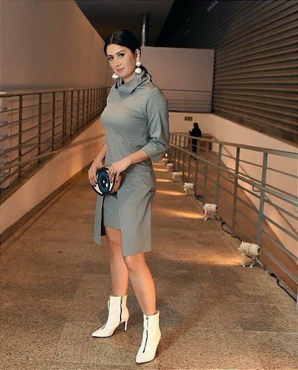 Vestido cinza (P) - Plural