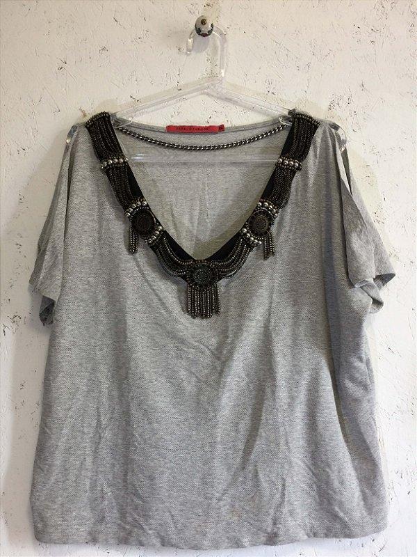 Blusa malha gola especial (P) - Espaço Fashion
