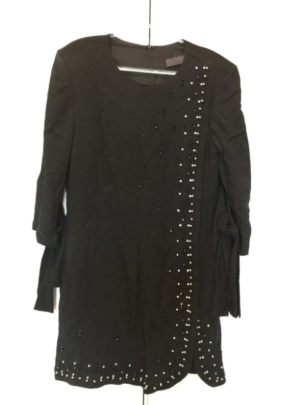 Vestido preto bordado (42 - Bárbara Bela NOVO