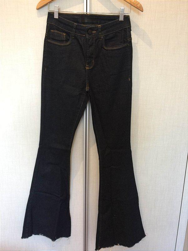 Calça jeans flare (36) - Shoulder