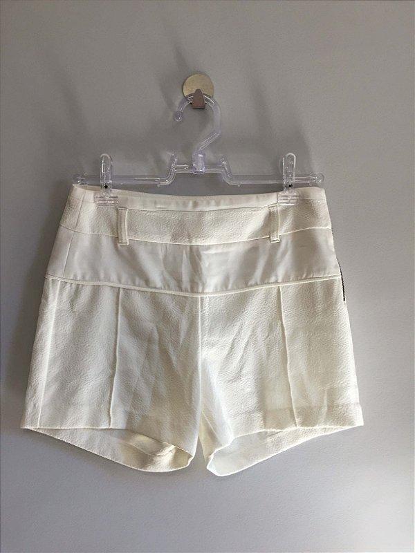 Short off white (38) - Shoulder