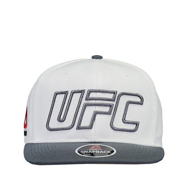 Boné Reebok Oversized UFC Logo Branco