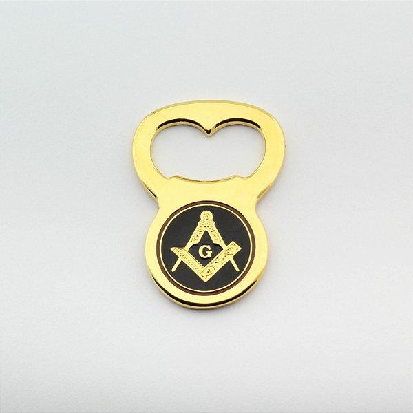 AP-030-D - Aplique Esquadro e Compasso Abridor de Garrafa Dourado - com Imã