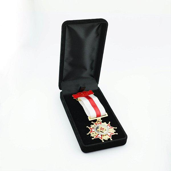 CO-005-V1 - Comenda Honra ao Mérito vermelho - Com Estojo