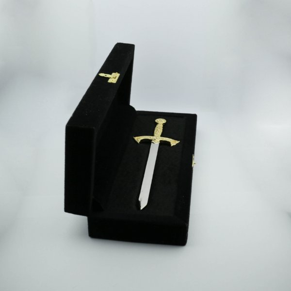 PR-003-DN1 - Espada Reta - dourado/niquel - Com Estojo