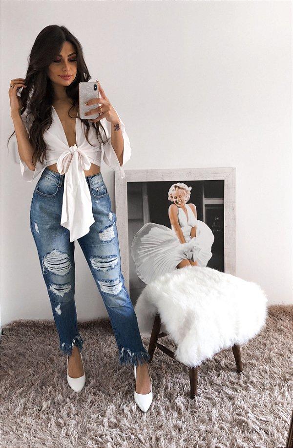Calça Jeans Mom com Barra Desfiada