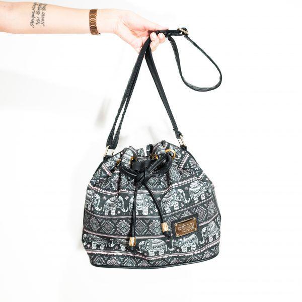Bolsa Saco com Estampa de Elefantes