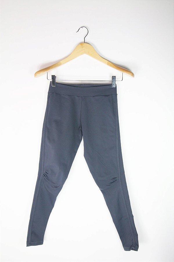 136e133d3e7 Legging Yogini Cinza Escuro Usada Brechó Online - Enfim Lucrei  ... f20e8fcb2ae Calça Jeans ... 1e8a0d5092