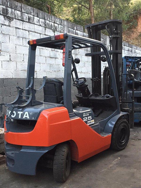 Toyota 8fg25 ano 2010 triplex