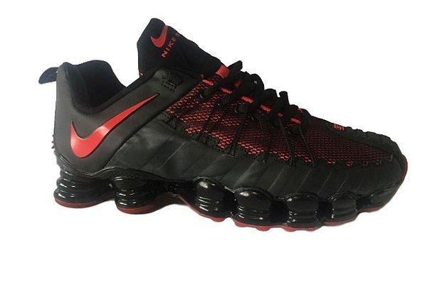 Tênis Nike Shox 12 Molas Masculino Preto e Vermelho Escuro ... 09b36a1812dd5