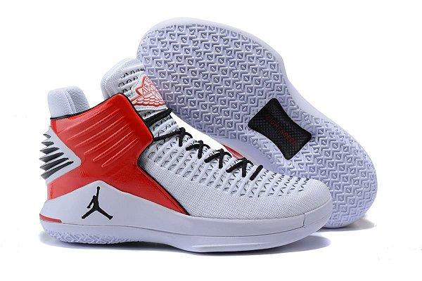 '' Tênis Air Jordan XXXII Mid Masculino- Branco com Vermelho