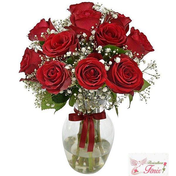 Elegância de Rosas Vermelhas no Vaso