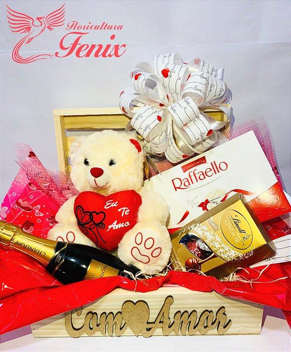 Luxuoso Baú com Chocolates e Chandon