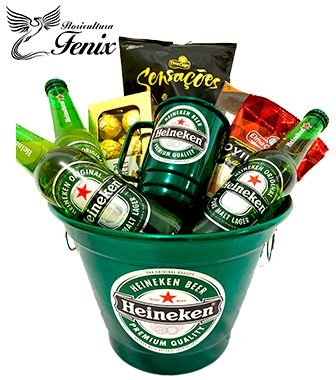 Balde Grande de Cerveja Heineken com Amendoim e Ferrero Rocher