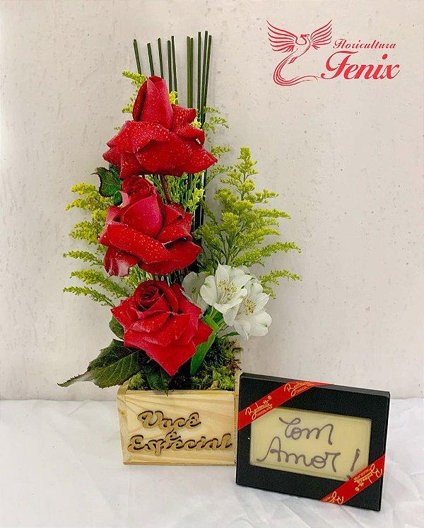 Trio de Rosas Premium e Barra de Chocolates com Dizeres
