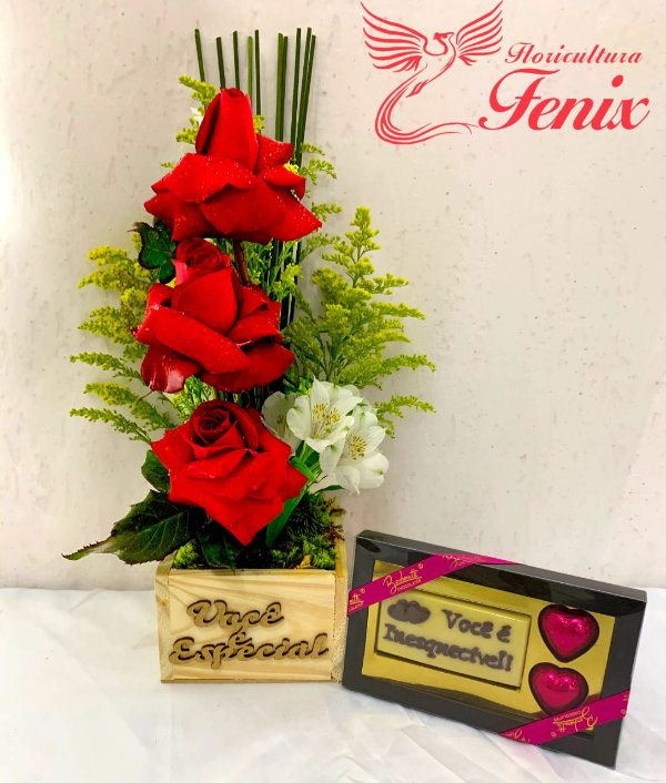 Trio de Rosas Premium e Chocolate Bombonatti