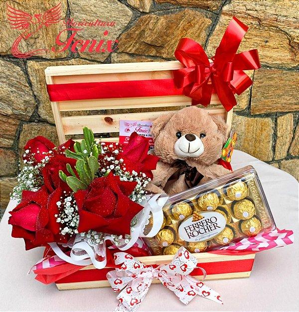 Baú Romantico de Rosas com Ferrero Rocher