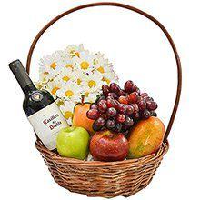 Luxuosa Cesta de Frutas com Vinho