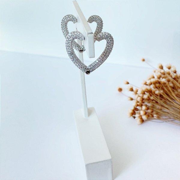 Argola articulada coração cravejada prata